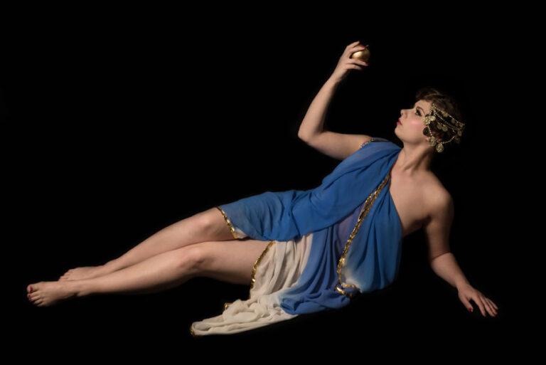 Miss Elinor Divine - Göttin der Burlesque die Burlesque Perle vom Rhein