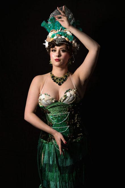 Miss Elinor Divine - The Water Nymph Miss Elinor Divine Act Burlesque Perle vom Rhein Düsseldorf
