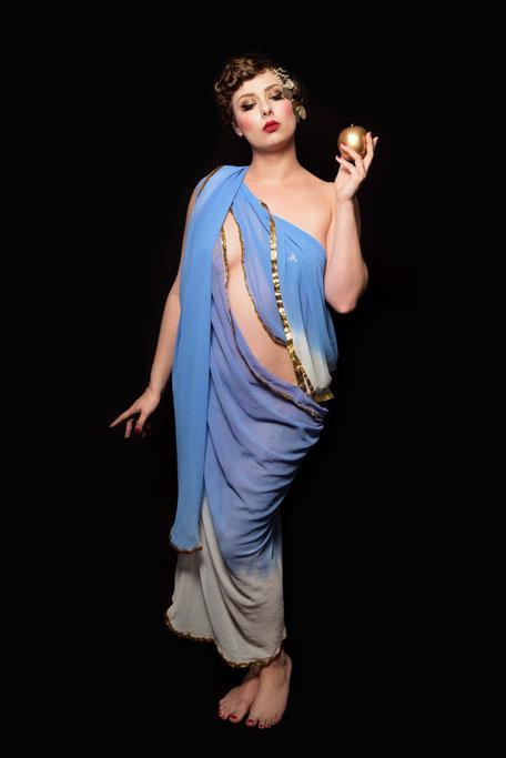 Miss Elinor Divine Burlesque Perle vom Rhein Göttin der Burlesque